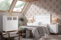 Dormitorio en tonos blancos y haya