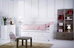 Habitación_infantil_cama_con_cómoda_y_estantería_con_puertas_La_Zubia_Granada
